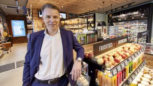 """Lekkerland-Chef Patrick Steppe will mit seinem Format """"Frischwerk"""" die Vormachtstellung an der Tankstelle halten. Das Konzept ist eine gelungene Mischung aus Bäckerei, Frische-Convenience und klassischem Tankstellenshop."""