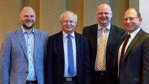 Gastgeber der 157. MLF-Arbeitstagung ist die Edeka-Familie Stenger aus Aschaffenburg. Die Kaufmänner Alexander, Walter und Matthias Stenger (v.l.) mit Rainer Huber, dem Geschäftsführer von Edeka Südwest.
