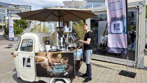 Das Pop-up-Bistro im Kölner Mediapark ist vor allem ein Marketinginstrument, das dem Kunden die Händlermarke Aldi Süd näherbringen soll. Doch auch als Handelsgastronomie funktioniert das Konzept. Es ist durchdacht und konsequent – wie bei den Mülheimern üblich.