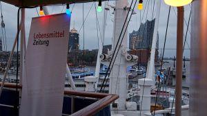 Hamburger Hafen mit Elbphilharmonie - eine super Kulisse für die Young Business Factory Ende Mai 2017 bei Carl Kühne und Edeka Meyer.