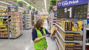 """Neben den Großflächen-Outlets hat Walmart für die Innenstädte und kleinere Gemeinden das Format """"Neighborhood Market"""" im Portfolio. Als foodlastiges Konzept in Super- und Verbrauchermarktgröße konkurriert es direkt mit den deutschen Discountern."""