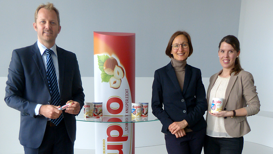 Ferrero Deutschland GmbH, Frankfurt: Sven Riedel, Senior Produkt Manager Duplo, Kirsten Häfner, Head of Marketing Local Snacks, und Katharina Dubs, Produkt Manager Duplo (v.l.).