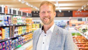 Christian Schug, Vorsitzender der Geschäftsleitung von Lidl Österreich, präsentiert in Wien die erste Metropolfiliale. Mit diesem Format will der Discounter in Stadtzentren expandieren.