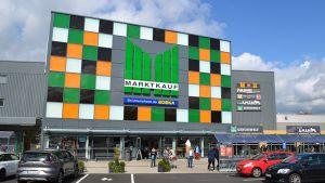 Die Großhandlung Edeka Minden will ihre 28 Marktkauf-Märkte wieder flottmachen. Das älteste Haus in Osnabrück-Nahne wurde mit viel Aufwand renoviert und ist seit Mitte Juli wieder eröffnet.