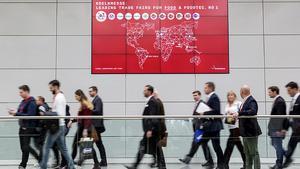 Rund 160.000 Fachbesucher aus knapp 200 Ländern reisen dieses Jahr zur Anuga nach Köln. Über 7.400 Anbieter aus 107 Ländern präsentieren fünf Tage lang das Weltmarktangebot an Nahrungsmitteln und Getränken.