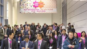 Rund 37.500 Branchenvertreter aus 144 Ländern besuchen 2018 die Internationale Süßwarenmesse in Köln. Die Zahl liege auf dem Niveau des Vorjahres, zeigt sich die Kölner Messegesellschaft zufrieden.