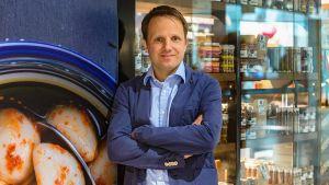 Mit seinen kleinen Feinkost-Läden expandiert Unternehmer Alexander Gepp vorzugsweise in gut frequentierten Shoppingcentern. Ein Blick in die Filiale im Münchener Olympia-Einkaufszentrum.