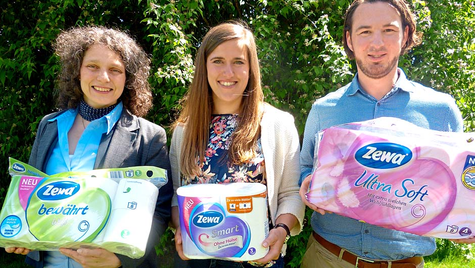 Essity Germany GmbH, Mannheim: Heike Berghoff, Shopper Marketing Leader D-A-CH, Stefanie Merk, Brand Manager, und Daniel Kühne, Junior Shopper Marketing Manager Bathroom Tissue, Deutschland (v.l.).