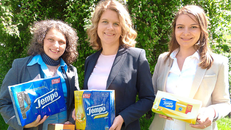 Essity Germany GmbH, Mannheim: Heike Berghoff, Shopper Marketing Leader, Jacqueline Lerch, Brand Manager, und Elisabeth Gantze, Shopper Marketing Manager Hanky/Facials D-A-CH (v.l.).
