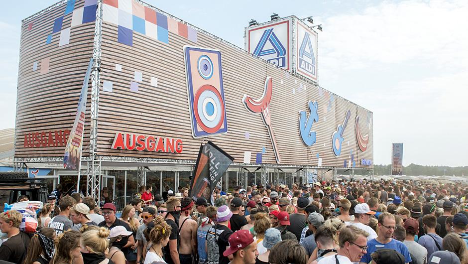 Aldi Camping Kühlschrank : Festival store: aldi nord tritt bei deichbrand auf