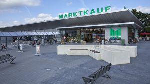 In Meppen hat Edeka Minden Ende 2017 ein neues SB-Warenhaus unter dem Marktkauf-Banner eröffnet. Der Neubau ersetzt den in die Jahre gekommenen alten Standort und kostet die Regionalgesellschaft mehr als 12 Mio. Euro.