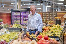 Auch der neueste Edeka-Markt von Andreas Nolte in Wiesbaden-Bierstadt bietet eine klare und hochwertige Einkaufswelt. Der Kaufmann  führt mit seinen Geschwistern Matthias Nolte und Ulrike Nolte-Balz gemeinsam die August Nolte GmbH. Zum Unternehmen gehören insgesamt sechs Vollsortimenter und zwei Getränkemärkte in Wiesbaden, Königstein und Bingen.
