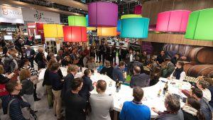 Noch größerer Besucherandrang, Top-Stimmung, gute Geschäftsabschlüsse – die Prowein in Düsseldorf untermauert auch 2019 ihre Position als internationale Leitmesse der Branche.