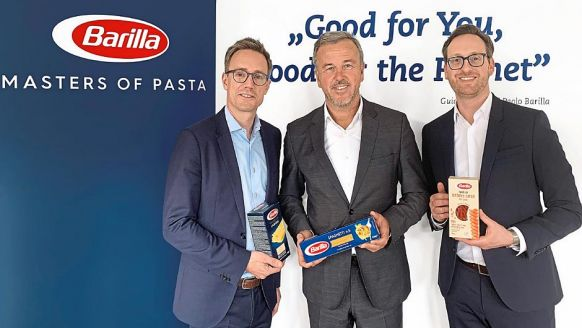 Barilla Deutschland GmbH, Köln: Moritz Tintelnot, Trade Marketing & Category Management Senior Manager, Claus Butterwegge, President Region Central Europe, und Ronen Dimant, Marketing Director Central Europe (v.l.).