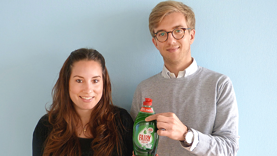 Procter & Gamble GmbH, Schwalbach: Julia Romeike, Category Management Fairy D-A-CH, und Jonathan Speckenbach, Brand Management Fairy D-A-CH.