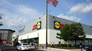 Bei der US-Expansion des Discounters Lidl rückt die Ostküste verstärkt in den Fokus. Wie das aussehen könnte, zeigt die Lidl-Filiale im Einkaufszentrum von Staten Island. Eröffnung war am 12. Dezember 2018.