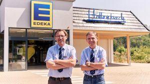 Von Berlin nach Colditz - die Hollenbachs haben den Sprung aufs Land und in die Selbständigkeit gewagt. Harald (links) und Frank Hollenbach ergreifen in Colditz ihre Chance und eröffnen im Sommer 2019 den eigenen Edeka-Markt.