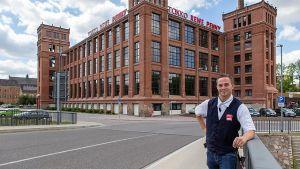 Seit Mai 2019 führt der 28-jährige Ralf Ruscher seinen Rewe-Markt in der denkmalgeschützten Baumwollspinnerei in Flöha. Direkte Nachbarn im neuen Einkaufszentrum sind Ernsting's Family, Penny und Takko.