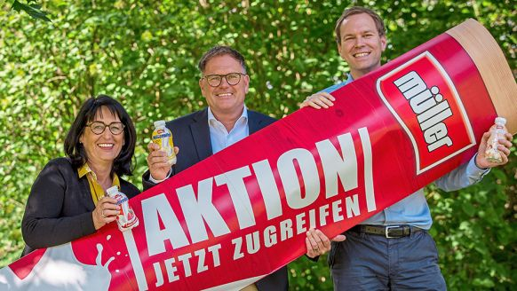 Molkerei Alois Müller GmbH & Co. KG, Aretsried: Anne Salger, Sales Head of Field D-A, Kristian Rott, Sales Director D-A-CH, Andreas Duwe, Head of Marketing Branded Desserts and Drinks (v.l.).