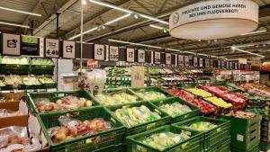 Das Herzstück des neuen Filialkonzepts in der Schweiz ist die aufgepeppte Obst- und Gemüse-Abteilung.