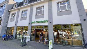 Der Berliner Öko-Marktführer Bio Company hat für seine 60. Filiale einen starken Standort in Pankow gefunden. Mitten im City-Leben, die Zielgruppe vor der Tür. Direkte Wettbewerber gibt es nicht in der Nähe.