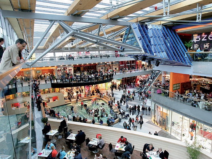 my craziest experience in a shopping mall My best shopping experience the product that i will choose to discuss about the experience of shopping on the web versus shopping in a traditional manner is dell laptop which can be purchased through the official website of dell or by using traditional manner through retailer shop.