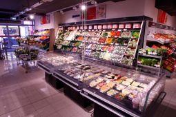 Gegenüber von Obst und Gemüse findet sich die Frische-Convenience in SB.