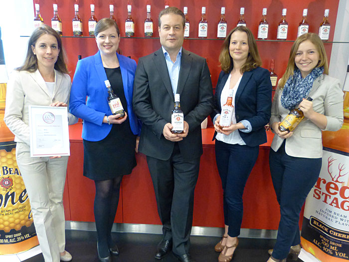 Sabine Milewski, Marketing Director, Lydia Sahr, Brand Manager, Manfred Jus, Managing Director, Simone Marbach, Jr. Brand Manager, und Judith Fischer, Brand Manager, (v.l.n.r.) - alle für Jim Bean in Frankfurt.