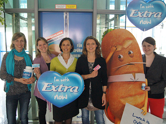 Claudia Das, Senior Brand Manager, Gundula Siegmond, Brand Activation Manager, Karine Bork, Marketing Manager, Katrin Siedler, Brand Manager, und Susanne Drummer, Brand Manager, (v.l.n.r.) – alle für Wrigley Extra Professional bei Wrigley in Unterhaching.