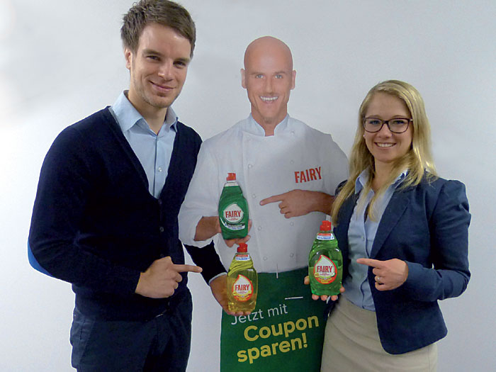 Jan Philipp Erren, Brand Management, und Johanna Keusch, Category Manager Home Care, - beide für Fairy bei Procter & Gamble in Schwalbach.