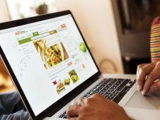 Foodhändler Bünting betreibt mit Mytime.de hierzulande einen der größten Webshops für Lebensmittel. Im Sortiment sind 34.000 Food- und Nonfoodartikel, geliefert wird bundesweit. Um das kostspielige Einzelkundengeschäft im Netz abzufedern, richtet sich Bünting mit seinem Service auch an Kleinfilialisten und -gewerbetreibende. Foto: Harry Koester