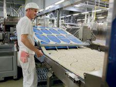 Statt Erträge für Ausschüttungen aufzuwenden, investiert das Unternehmen Gewinne in neue Technologien und verbesserte Produktionsanlagen.