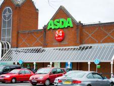 <b>Platz 5: Asda</b> ist Großbritanniens drittgrößter Retailer und ausschließlich im Heimatland aktiv. Seine preisaggressiven Großflächen erzielen einen Brutto-Außenumsatz von knapp 30 Mrd. Euro. Wie Wettbewerber Tesco und Sainsbury ist auch Asda wegen der deutschen Discountexpansion auf der Insel unter Druck geraten. <i>Foto: Julius Kielaitis/Shutterstock</i>