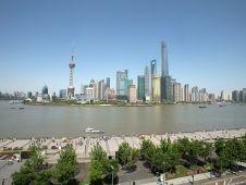 Die Millionenstadt Shanghai entwickelt sich rasant, seit Jahren verzeichnet die Wirtschaft enorme Wachstumsraten. Das zieht ausländische Investoren an.