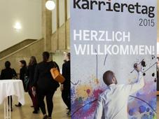 Der LZ Karrieretag auf dem Campus Westend der Johann-Wolfgang-Goethe-Universität heißt seine Gäste bereits zum siebten Mal willkommmen.