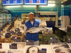 Für seine Frischfischabtelung ist Makro im ganzen Umland bekannt.