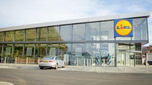 """.... und so die Fassade des neuen Ladenkonzepts """"Store-of-the-Future"""""""