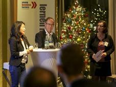 Angela Kim, Head of Digital Competence Center, Ferrero, diskutiert mit Bernd Biehl, stv, Chefredakteur der LZ und Silke Biester die Herausforderungen der digitalen Transformatiuon für die Markenführung.