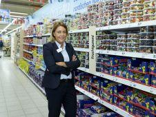 Kategorie Hausleiter - Gold: <b>Nina Patricia Haulsen</b> leitet den Real in Flensburg und bringt Charme, Klarheit und Hartnäckigkeit mit. Sie nimmt Trends auf, setzt sie um und verfolgt sie stringent. So hat Haulsen unter anderem das Grenzgeschäft mit dänischen Kunden aufgebaut.