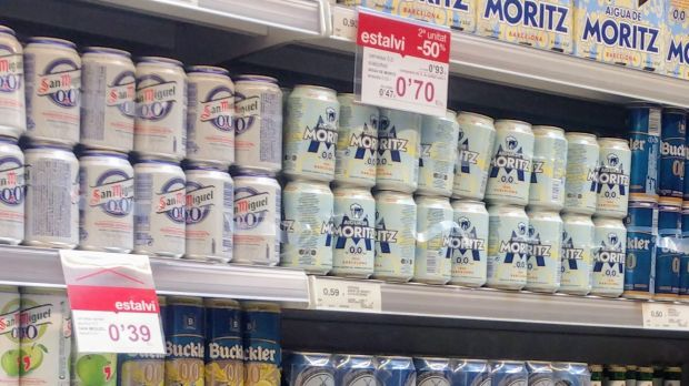 San Miguel beer on the shelves of a Catalan supermarket. Its industrial division moved its registered office to Málaga (southern Spain) last week.