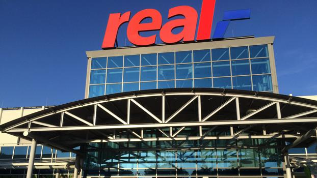 Hypermarket banner Real: continues to be Metro's problem child.
