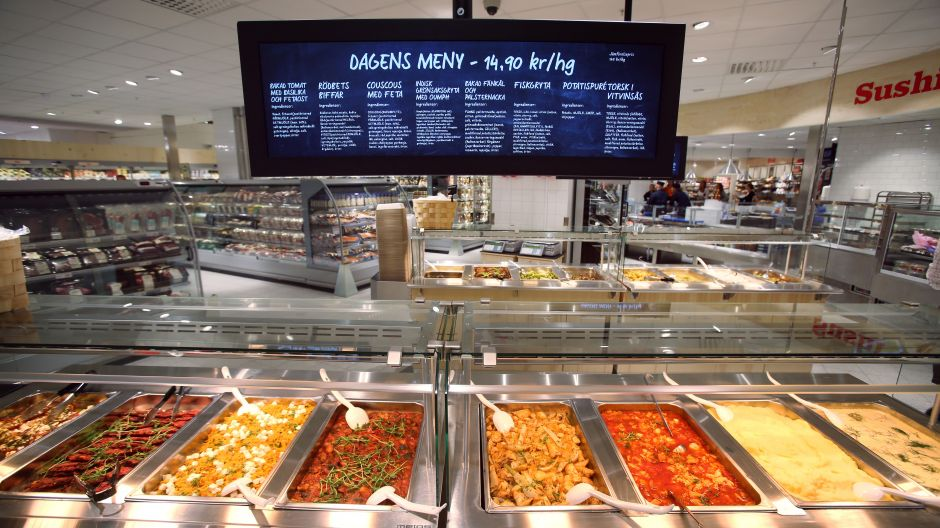 In the self service deli section there are many vegetarian dishes providing inspiration for shoppers wanting to eat more vegetarian food.