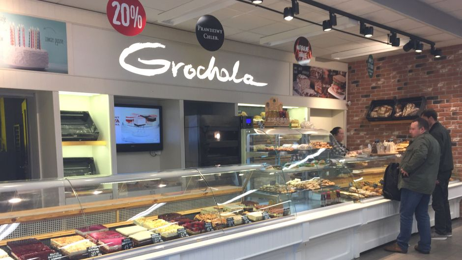 Netto's Polish concept includes regional concessions opposite the checkout. The bakers and confectioners offer mostly sweet pastries; and the butcher's counter features traditionally produced items; reflecting customer preferences.