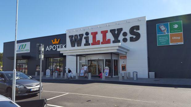 Willys superstore with Kronans Apotek next-door