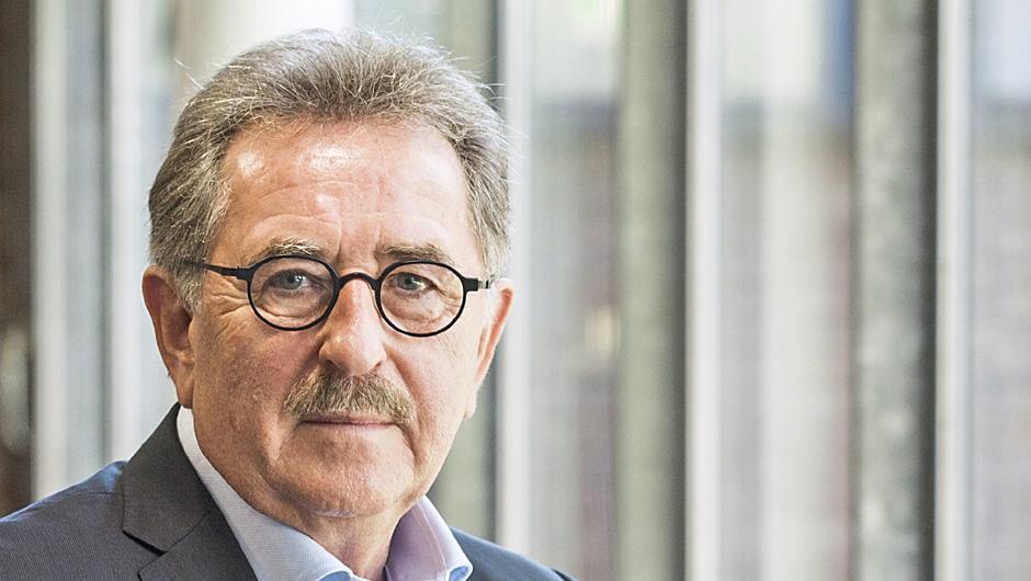 Das Ende des billigen Öls. Was kommt danach - Kohle, Kernenergie oder Erneuerbare? Wien (OTS)-Dr. Werner Zittel Ludwig Bölkow-Systemtechnik GmbH, Ottobrunn, Deutschland; Vortrag .