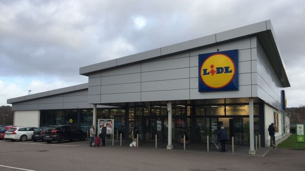 This Lidl store in Västra Frölunda, Gotenburg is one of 130 that had already been converted in Sweden at the time of our visit