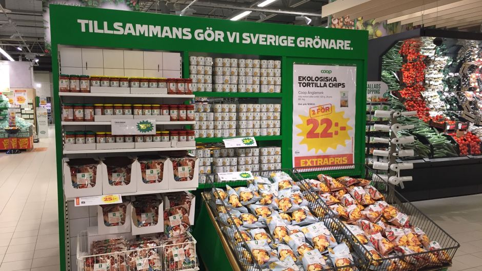 """The """"Together we make Sweden greener"""" shelf is centrally managed and shows off Coop's strength in organic food"""