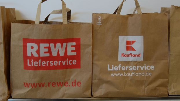 Rewe offers an online grocery delivery service in 75 German cities and plans to roll it further out thanks to the co-operation with independent shopkeepers. Schwarz Group's Kaufland, meanwhile, discontinued its service offered in one single city, Berlin, after just 444 days.