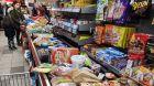 Kassenband im Supermarkt