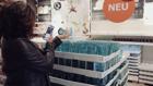 Keine Kassenschlange: SB-Kassen-Vorreiter Ikea erprobt Self-Scanning per Handy. Auch Rewe, Penny, H